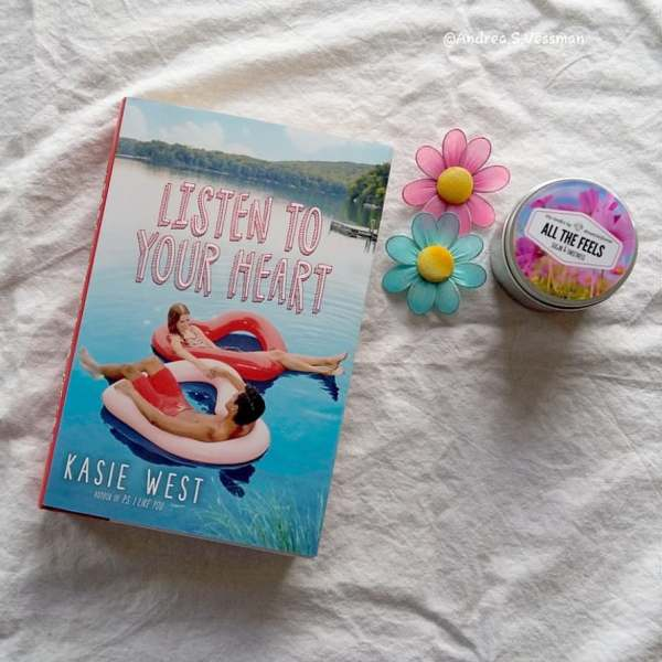 #bookmailisthebestmail today my copy of Listen to your heart by Kaise West came in the mailbox and I love #bookmail so I'll probably start to read this book tonight.  #bookstagram #bookcover #instabooks #ungdomsbok #yabook #kasiewestbooks #booksandcandles #booksandcandle #bookcandle #allthefeels #booksandflowers #toread #toreadlist #bookcoverlove #bookcoverart #listentoyourheart